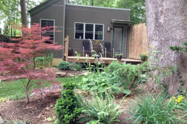 Modern Studio Cabin Retreat in the woods (10)