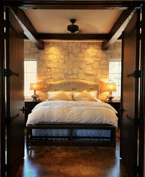 Small-stone-cottage-Fredericksburg-TX-bedroom