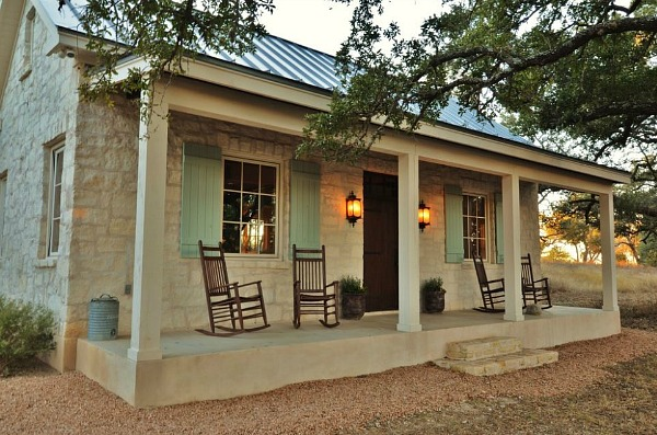 Small-stone-cottage-guest-house-Fredericksburg-TX