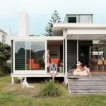 บ้านโมเดิร์นขนาดเล็ก ดีไซน์กล่องที่เรียบง่าย แทรกตัวไปกับธรรมชาติ