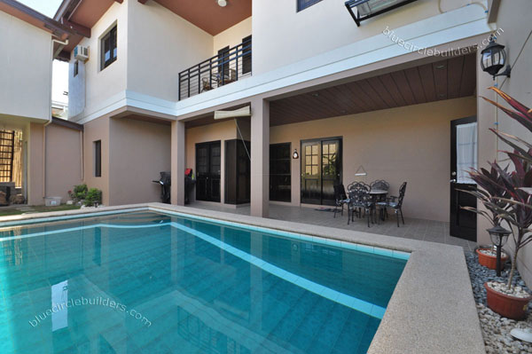 contemporary-residential-house-with-garden-and-pool (12)