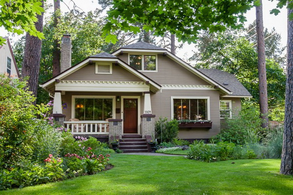 craftsman-bungalow-in-natural-ambience (1)