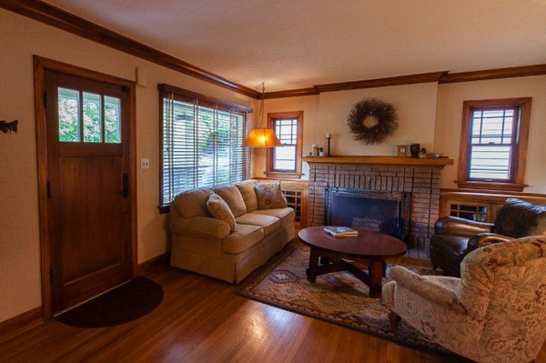craftsman-bungalow-in-natural-ambience (2)