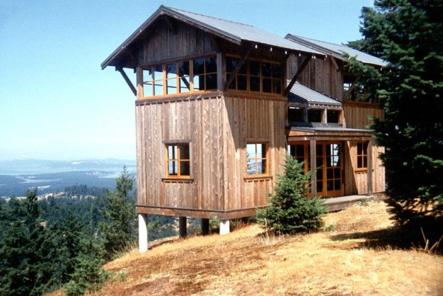david-vandervort-san-juan-cabin-exterior1-via-smallhousebliss