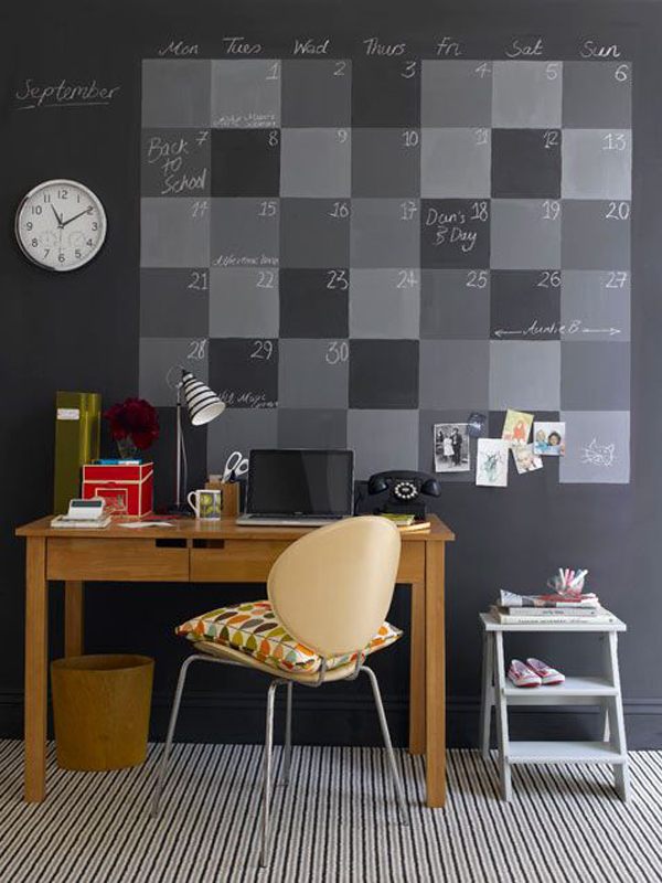 diy-chalkboard-paint-calendar
