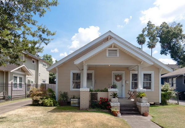 double gable cottage house for medium family (1)