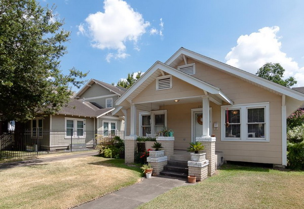 double gable cottage house for medium family (2)