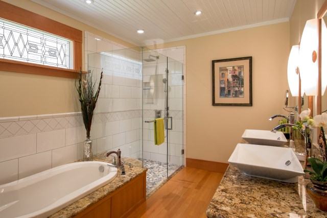 ensuite-2-Riverside-Heritage-Renovation
