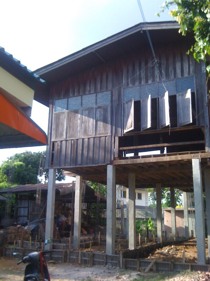 renovate-old-wooden-house-to-western-cafe-hostel (8)