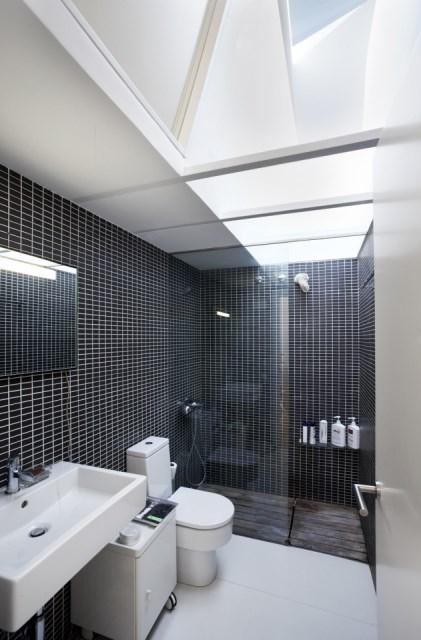 sauquet-arquitectes-converted-stable-bathroom-via-smallhousebliss