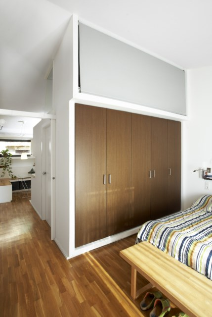 sauquet-arquitectes-converted-stable-bedroom-via-smallhousebliss
