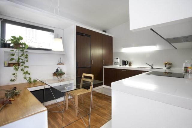 sauquet-arquitectes-converted-stable-kitchen1-via-smallhousebliss