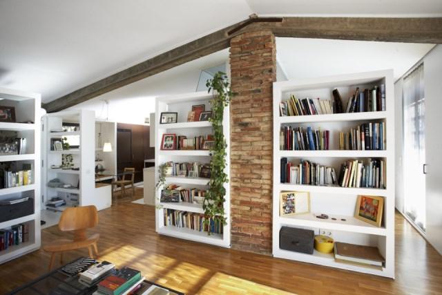 sauquet-arquitectes-converted-stable-living2-via-smallhousebliss