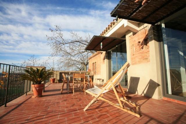 sauquet-arquitectes-converted-stable-terrace-via-smallhousebliss