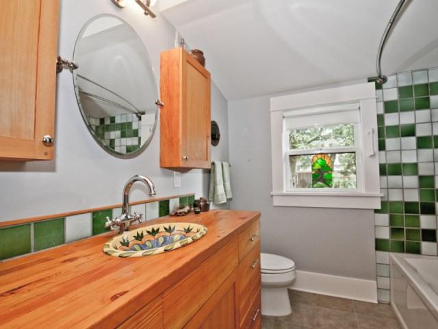 smallhousebliss-1912-portland-bungalow-bathroom1