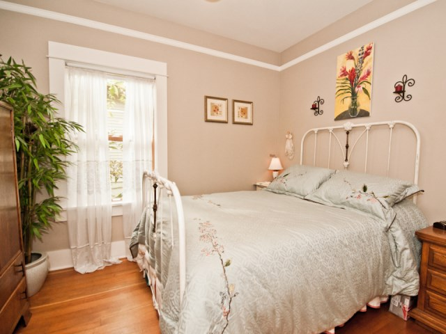smallhousebliss-1912-portland-bungalow-bedroom