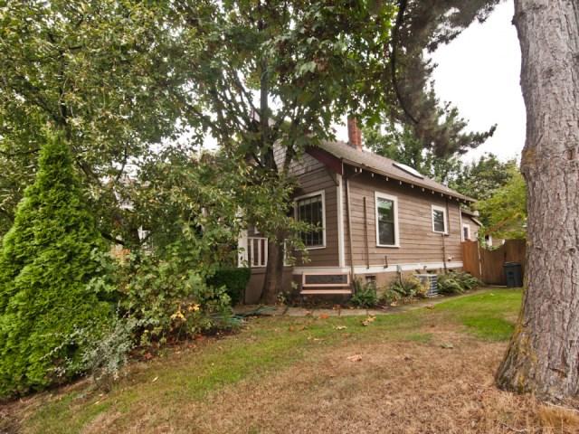 smallhousebliss-1912-portland-bungalow-exterior-side1