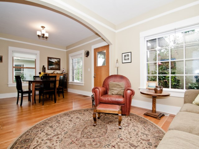 smallhousebliss-1912-portland-bungalow-living-to-dining