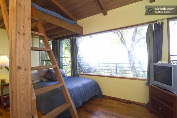 tiny-treehouse-bungalow-oceanview-hawaii-006-600x400