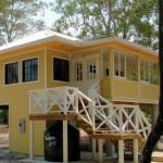 บ้านวินเทจยกสูง โทนสีเหลืองสว่าง ตกแต่งสวยงามมีกลิ่นอายย้อนยุค