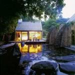 บ้านโมเดิร์นรัสติค วัสดุโลหะ หิน ไม้ ความสวยงามและสงบเงียบที่ซ่อนตัวในธรรมชาติ