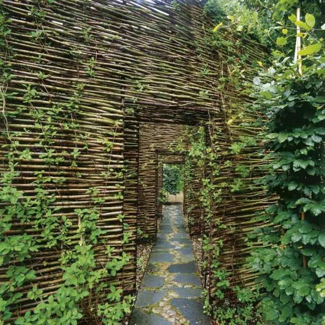 wingardhs-mill-house-screened-walkway-via-smallhousebliss