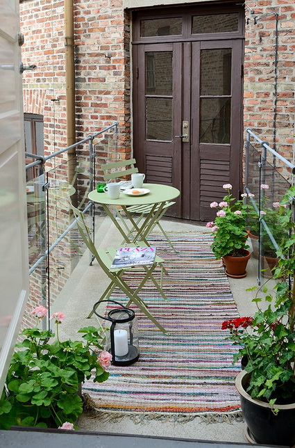 10-ideas-to-decorate-small-patio (2)
