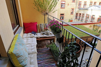 10-ideas-to-decorate-small-patio (6)