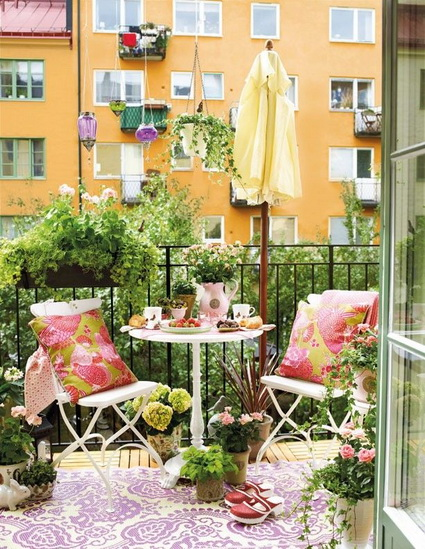 10-ideas-to-decorate-small-patio (8)