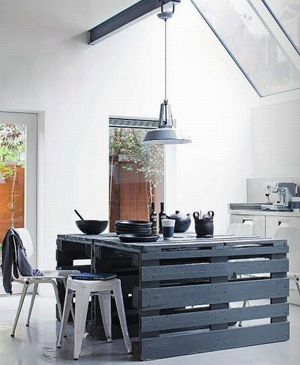 10-ideas-to-recycle-old-pallet (2)