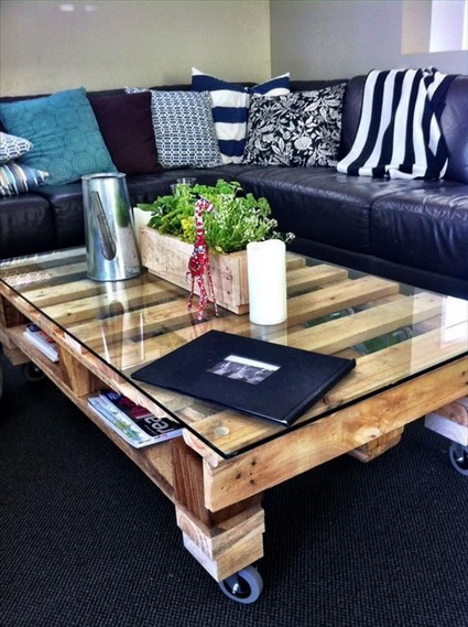 10-ideas-to-recycle-old-pallet (3)
