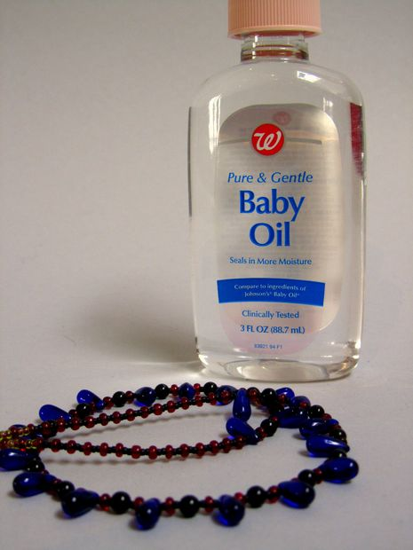 12-unusual-uses-for-baby-oil (11)