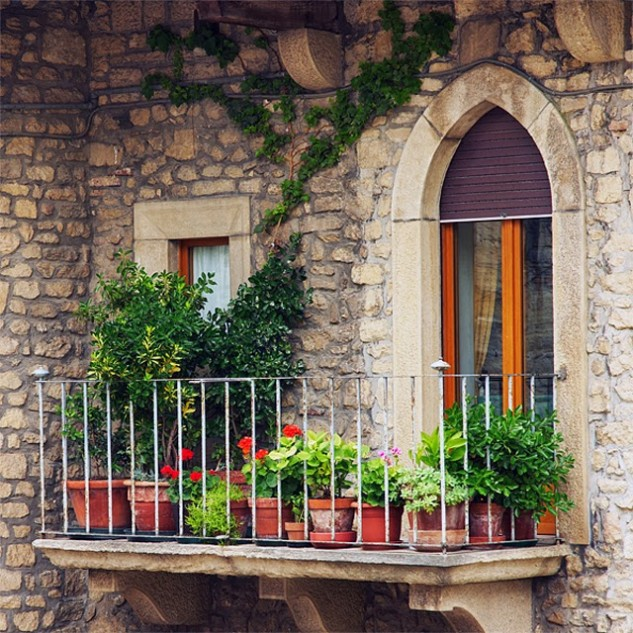 15-ideas-to-decorate-house-with-terracotta-pots (14)