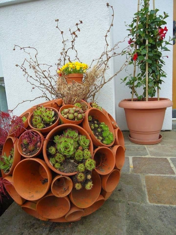 15-ideas-to-decorate-house-with-terracotta-pots (9)