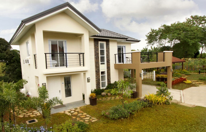 2-storey-contemporary-house-with-patio-for-single-family (1)