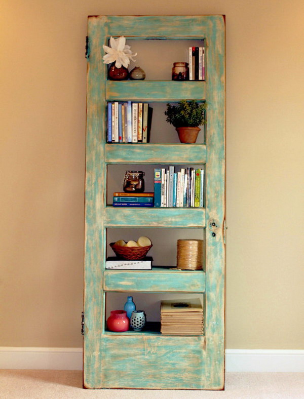 8-ideas-to-recycle-old-doors-into-decorative-items (3)