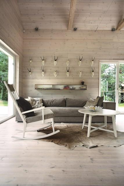 Lithuanian-Hunting-House-Devyni-architektai-Lithuania-Living-Room-Humble-Homes