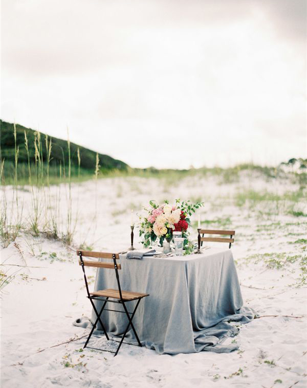 beach-dinner-for-two