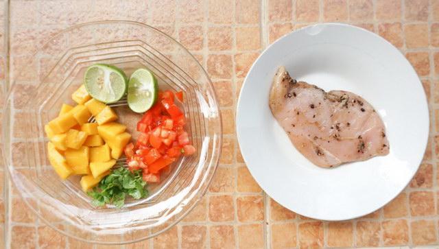 black-pepper-chicken-breast-steak-with-mango-sauce-recipe (2)