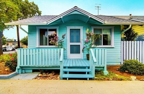 cozy-blue-small-cottage (1)
