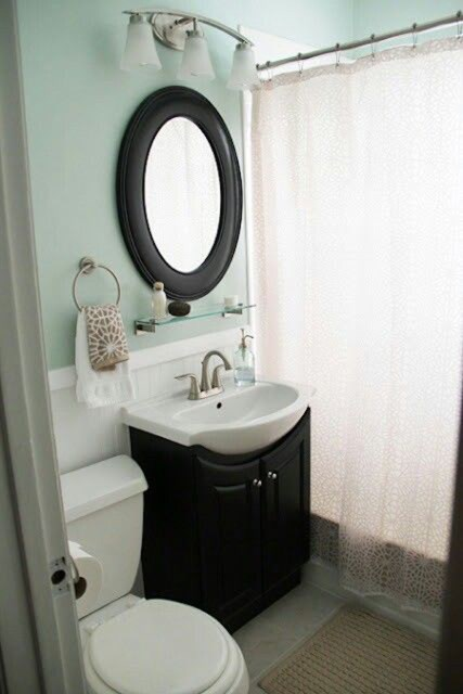 cozy-small-bathroom-with-soft-color