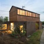 บ้านโมเดิร์นสองชั้น ออกแบบรูปทรงแปลกตา เรียบง่ายและน่าอยู่