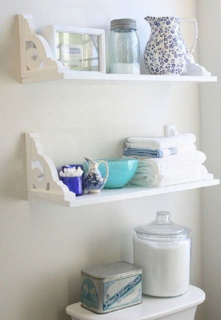 easy-diy-bathroom-shelves