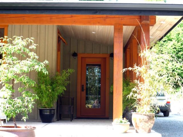 entrance-Trottier