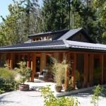 บ้านไม้คอทเทจ ขนาดกลาง ที่อิงแอบไปกับธรรมชาติ