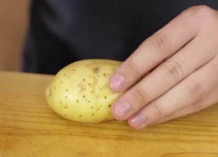 how to peel potato easily (2)