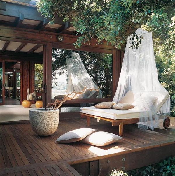 modern-outdoor-deck-with-hidden-pond