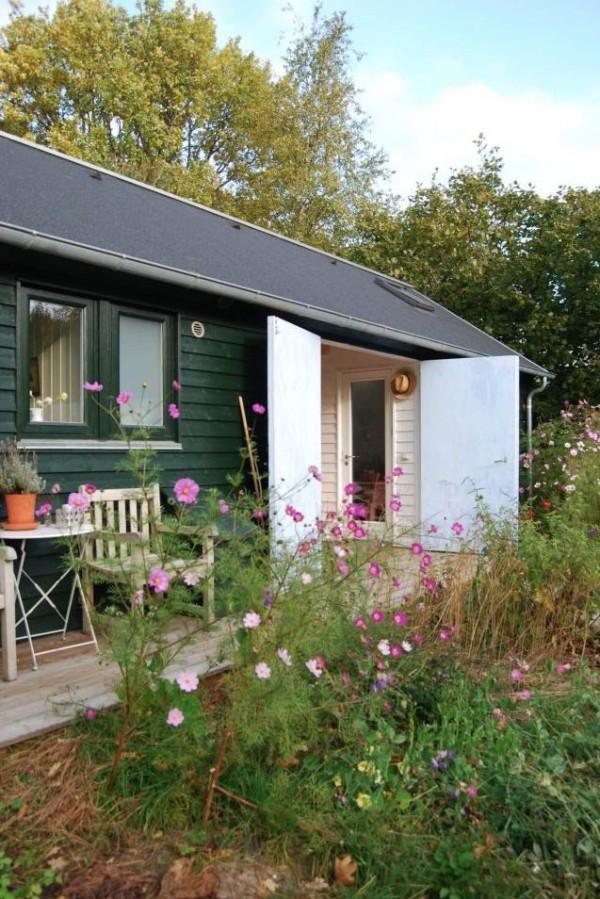 mon-huset-modular-592-sq-ft-tiny-home-007-600x899