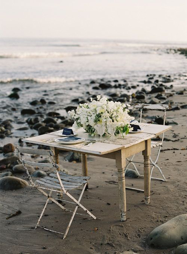 romantic-dinner-with-vintage-styles