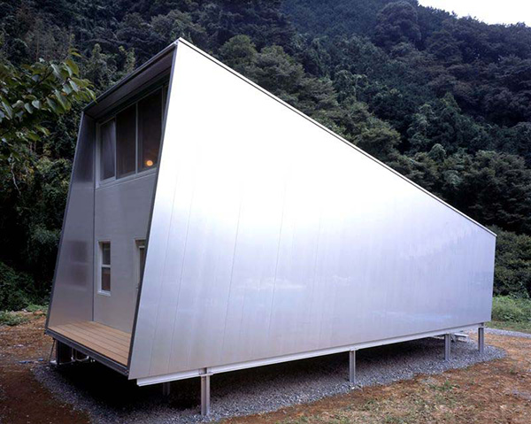 small-japanese-homes-compact-cottage-1